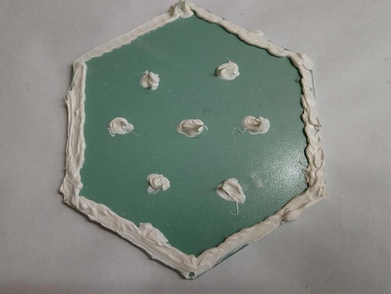 arrière miroir avec vernis anti humidité, encollage sur les bords pour étanchéité